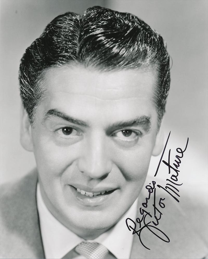 Actor victor mature